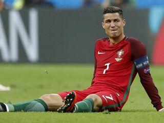 Ronaldo: cái giá ngọt ngào của vinh quang